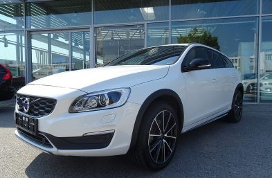 Volvo V60 Cross Country D3 Cross Country Geartronic bei Grünzweig Automobil GmbH in