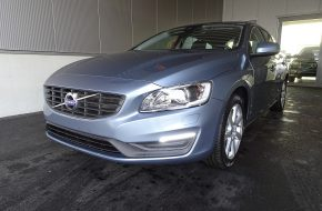 Volvo V60 D2 Kinetic Geartronic bei Grünzweig Automobil GmbH in