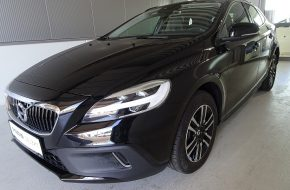 Volvo V40 Cross Country D3 Momentum Geartronic bei Grünzweig Automobil GmbH in