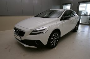 Volvo V40 Cross Country D3 Cross Country Edition Geartronic bei Grünzweig Automobil GmbH in